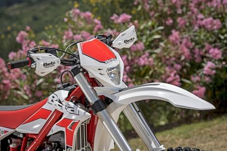 La X-Trainer est reconnaissable dans la gamme par sa couleur blanche.